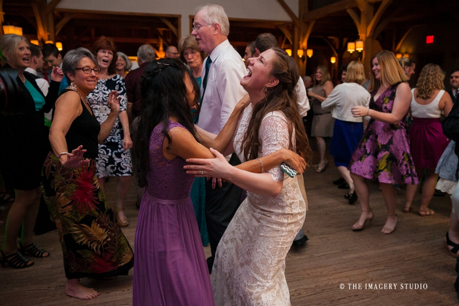 dancing at harrington farm weddings
