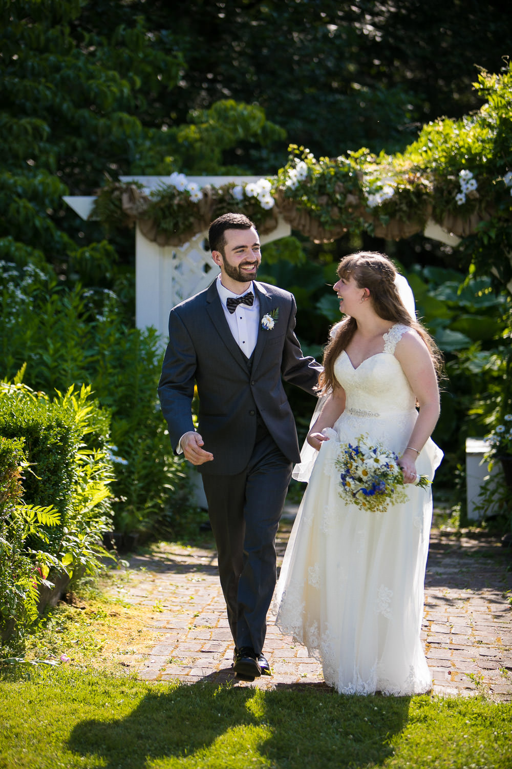 hartmans herb farm weddings, storytelling photos for a couple in love