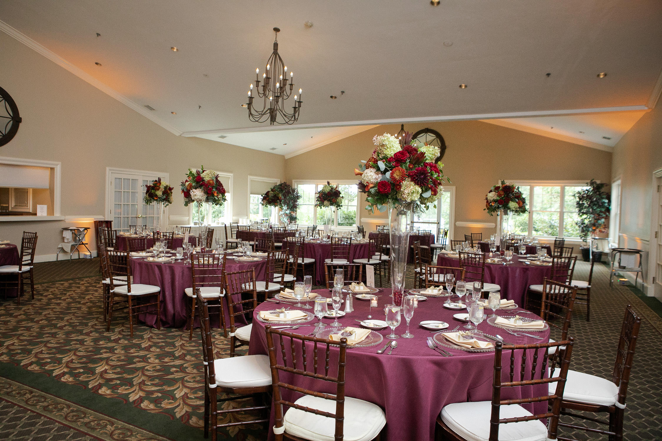 cyprian keyes wedding photos, centerpieces by Danielson's Flowers